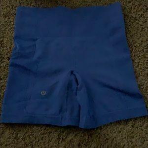 Lululemon blue short size 6